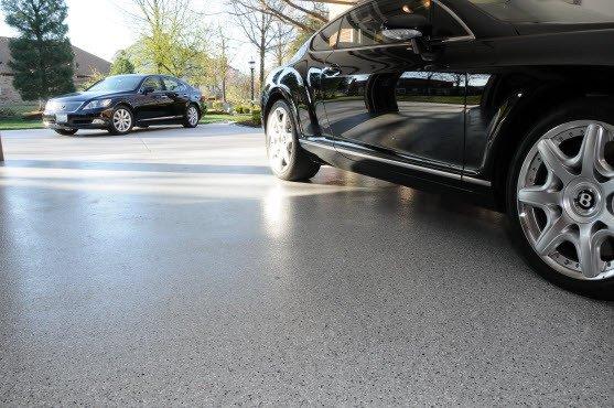 epoxy-floor-beside-car-in-garage